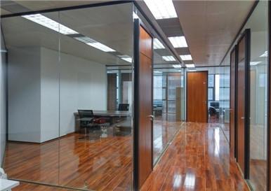 重庆某公司办公玻璃隔断